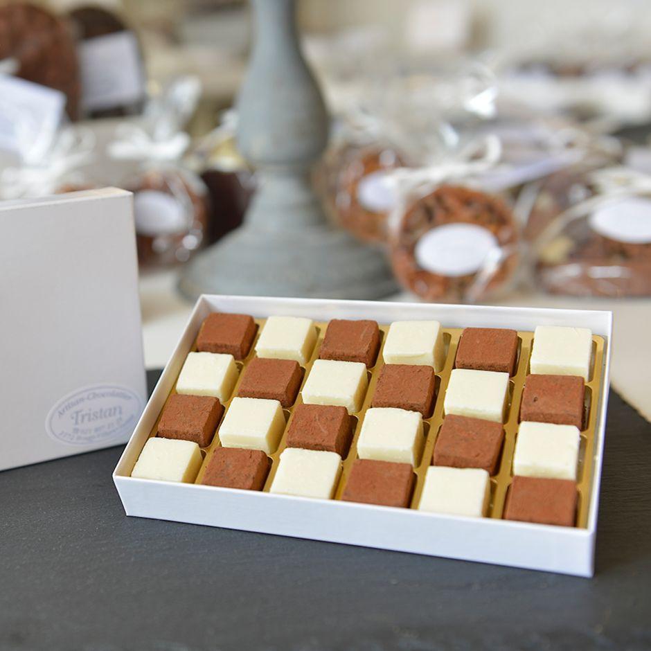 Boite Pavés damier 24 pièces Tristan Chocolatier Suisse