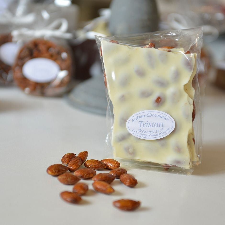 Plaque blanc Amande Tristan Chocolatier Suisse
