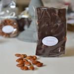 Plaque aux amandes, chocolat noir 65 %