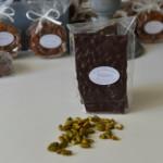 Plaque aux pistaches, chocolat noir 65 %